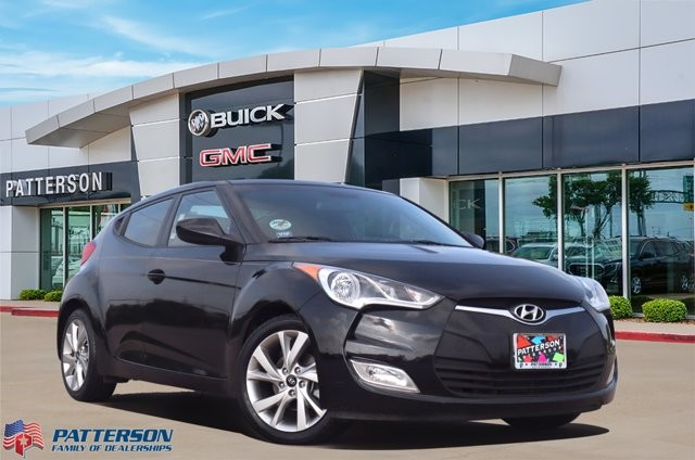 Pre-Owned 2017 Hyundai Veloster